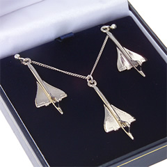 concorde pendant and earring set nickel